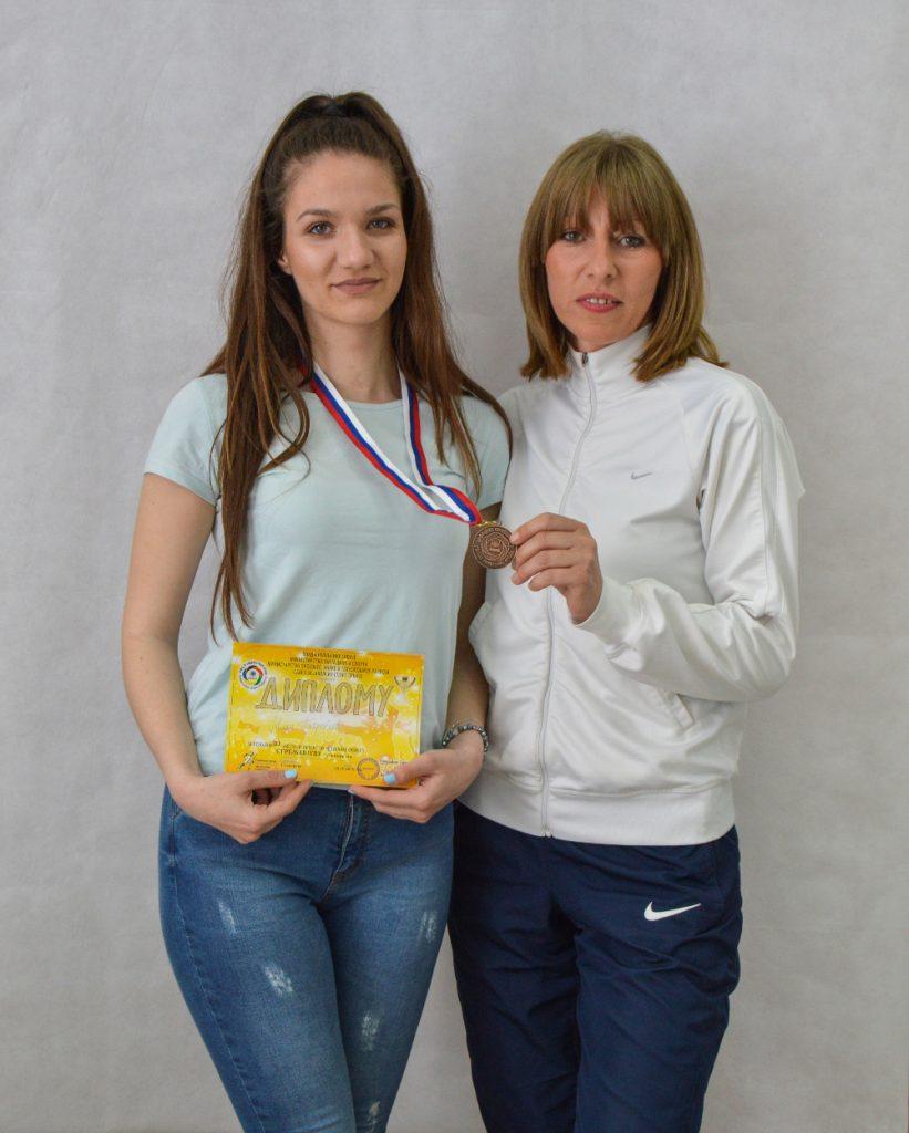 Мила Петровић освојила бронзану медаљу на Републичким школским играма у стрељаштву
